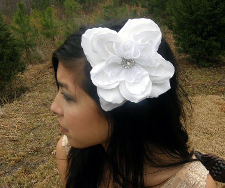 White Lace Rose Hair Comb