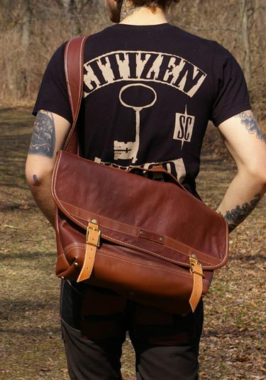 Oil-Tanned Leather Messenger Bag