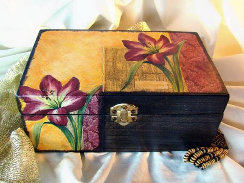 Lily Decoupage Box
