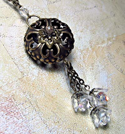 Filigree Focal and Crystal Flowers Pendant