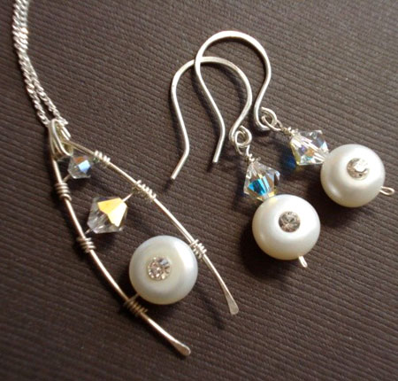 Swarovski and Pearls Wishbone Pendant and Earrings Set