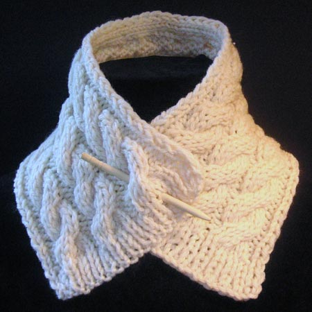 Cable-Knit Scarflette