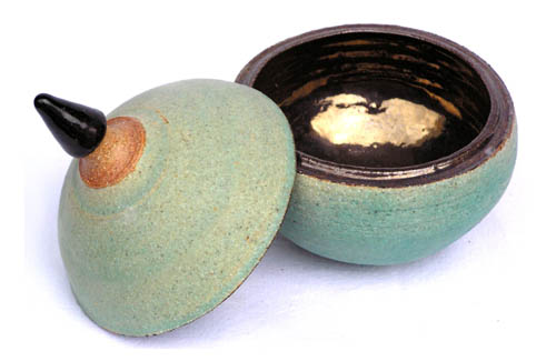 Wheel Thrown Ceramic Bowl With Lid
