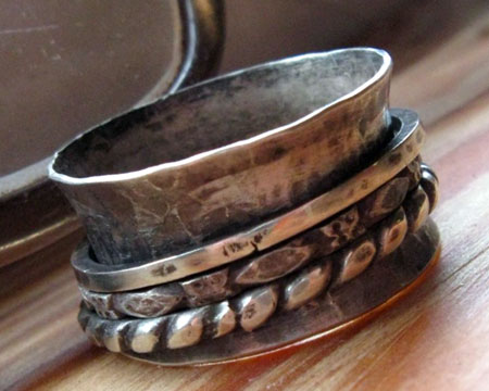 Hammered Three Spinner Ring